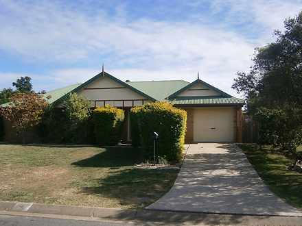 4 Hillcrest Place, Flinders View 4305, QLD House Photo