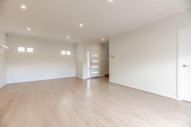 2/39 Purinuan Road, Reservoir 3073, VIC Townhouse Photo
