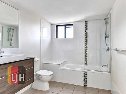 De49320c3ef6907f9aa5fd49 bathroom d2bc cbe0 4c61 942c 132b c685 a47b 2b60 20201223101028 1609195284 thumbnail