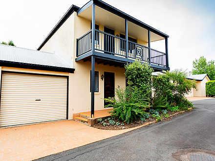 2/2 Chilcote Street, Mount Lofty 4350, QLD Townhouse Photo