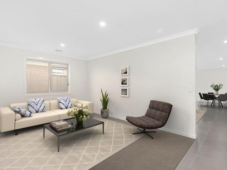 5 Pebblestone Circuit, Clyde North 3978, VIC House Photo