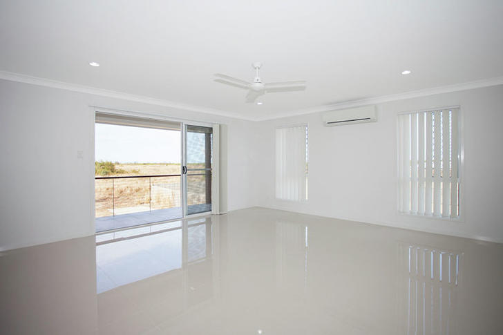 2/21 Willoughby Crescent, East Mackay 4740, QLD Townhouse Photo