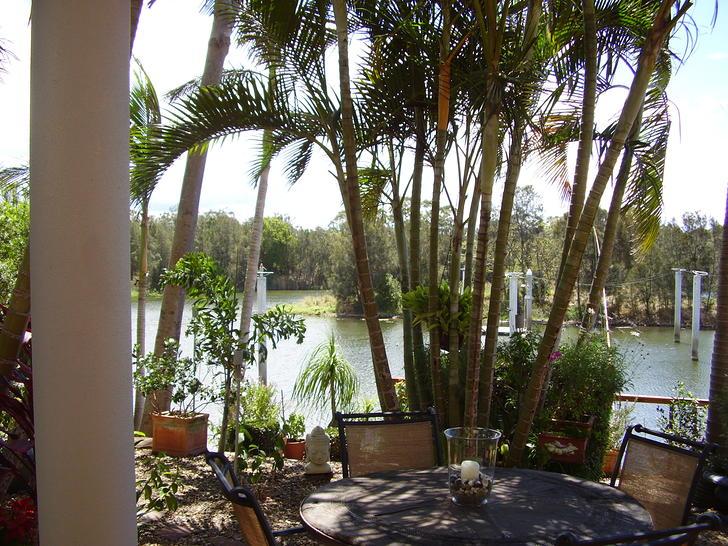125 Santa Cruz Boulevard, Clear Island Waters 4226, QLD Townhouse Photo