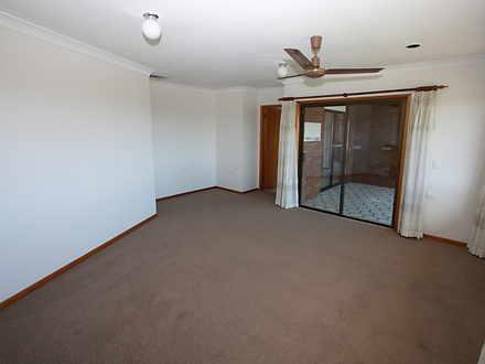 06c0a8f56963d1bb4eb1f14b mydimport 1589800608 hires.300 lounge 1609901527 thumbnail