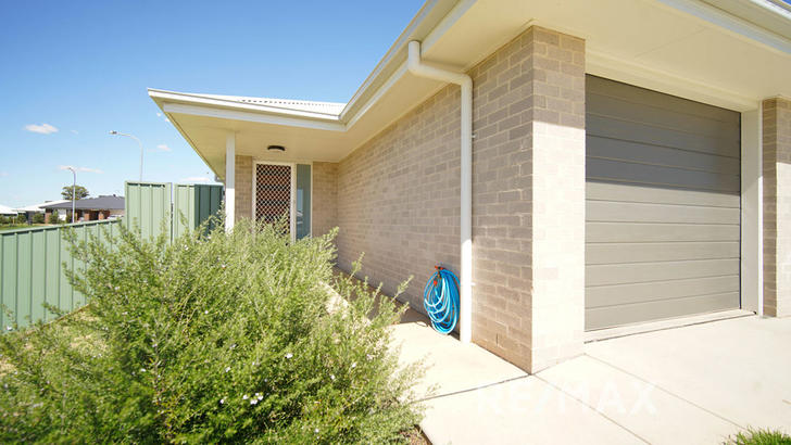 2 Kanooka Place, Forest Hill 2651, NSW House Photo