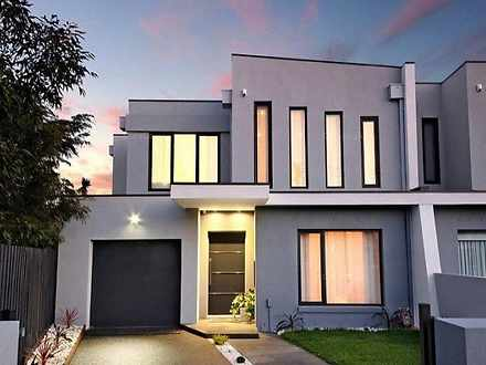 10B Roselyn Crescent, Bentleigh East 3165, VIC Townhouse Photo