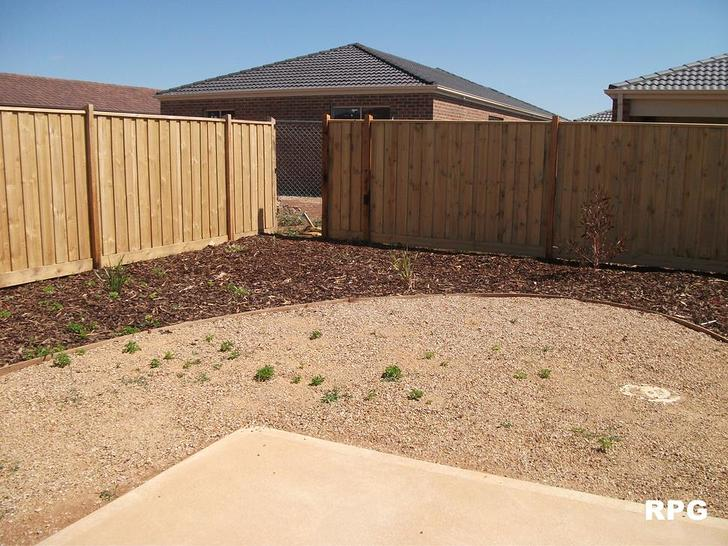42 Barley Grass Crescent, Brookfield 3338, VIC House Photo