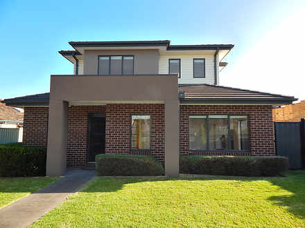 1/89 St Vigeons Road, Reservoir 3073, VIC Townhouse Photo