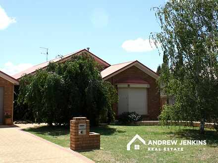 1/15 Apricot Circuit, Cobram 3644, VIC Townhouse Photo