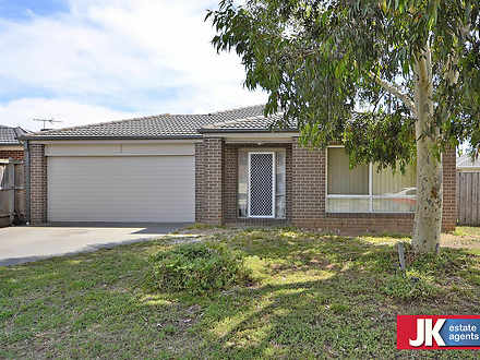 16 Tenterfield Place, Tarneit 3029, VIC House Photo