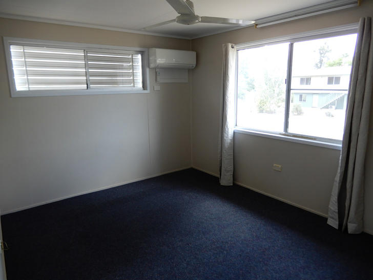 33 Lorraway Street, Emerald 4720, QLD House Photo