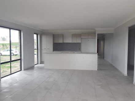 8 Hastings Avenue, Plainland 4341, QLD House Photo