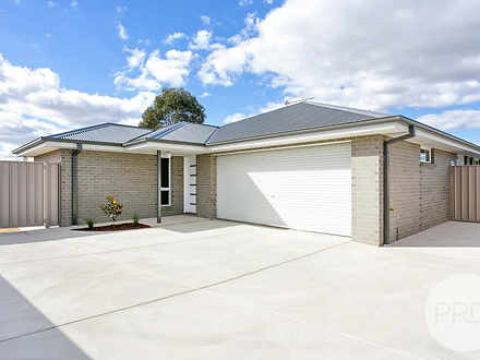 2/42 Breasley Avenue, Boorooma 2650, NSW House Photo