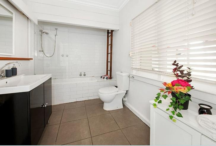 32 Weatherston, Seaford 3198, VIC House Photo