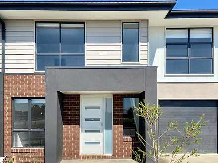 20 Mattamber Street, Clyde North 3978, VIC Townhouse Photo