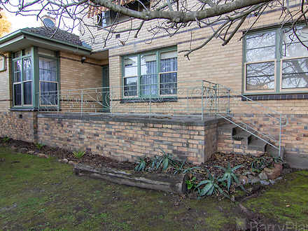 1/16-18 Echuca Street, Quarry Hill 3550, VIC Townhouse Photo