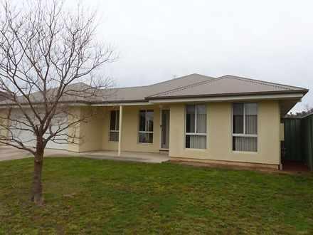 76 Robbins Drive, East Albury 2640, NSW House Photo