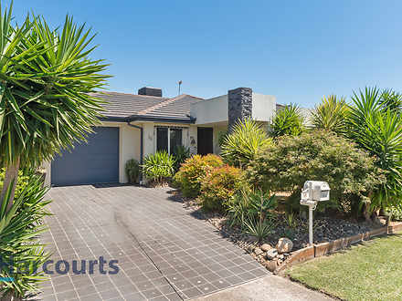 16 Lombardi Close, Skye 3977, VIC House Photo
