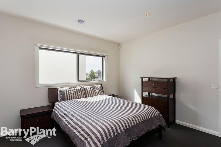 3/32 La Rochelle Boulevard, Point Cook 3030, VIC House Photo