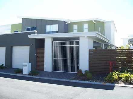 Burleigh Waters 4220, QLD Townhouse Photo