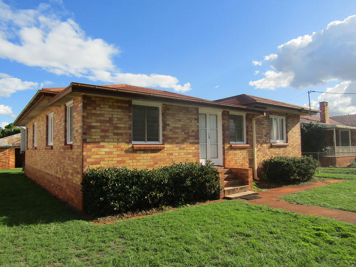 33 Markwell Street, Kingaroy 4610, QLD House Photo