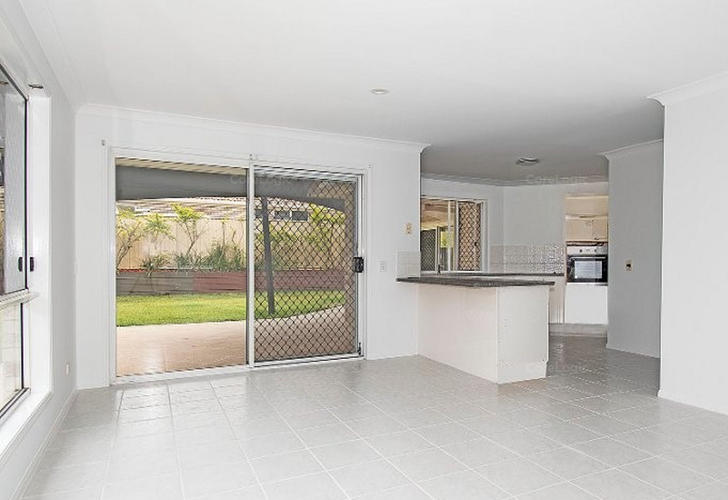 5 Longcove Place, Parkwood 4214, QLD House Photo