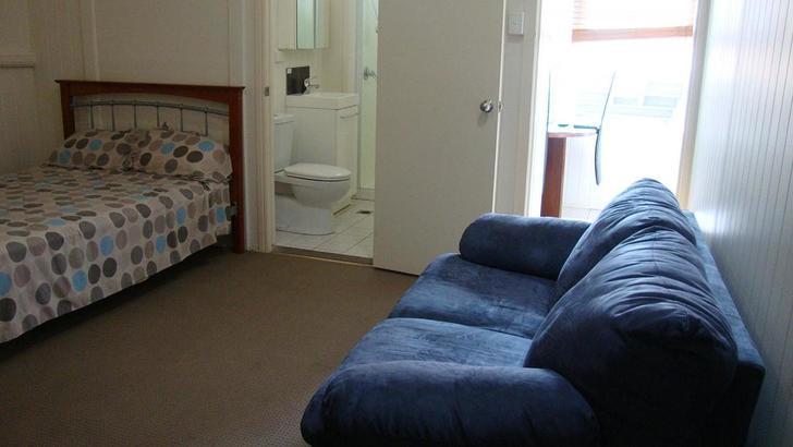 Highgate Hill 4101, QLD Studio Photo