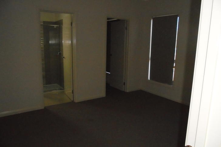 1/8 Haywood Grove, Harkness 3337, VIC House Photo