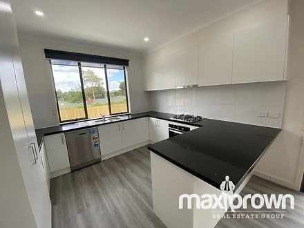 2/33 Highland Crescent, Mooroolbark 3138, VIC Townhouse Photo