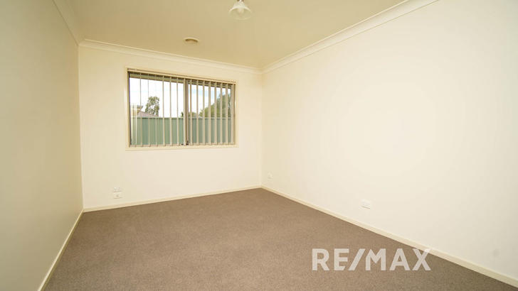 17 Quandong Place, Forest Hill 2651, NSW House Photo