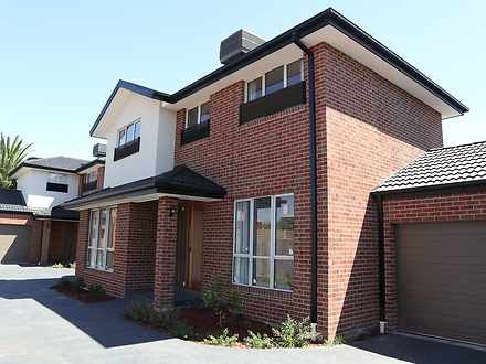 2/39 Golf Links Avenue, Oakleigh 3166, VIC Townhouse Photo