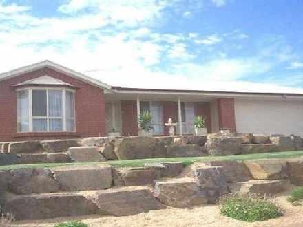 2 Mckinlay Drive, Hewett 5118, SA House Photo