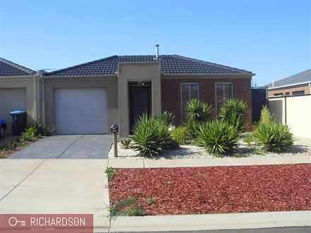 33 Wentworth Avenue, Wyndham Vale 3024, VIC House Photo