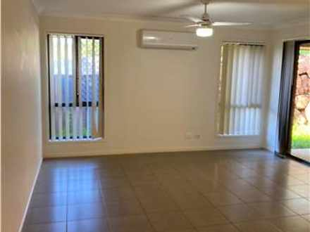 2/10 Bahrs Point Drive, Bahrs Scrub 4207, QLD House Photo
