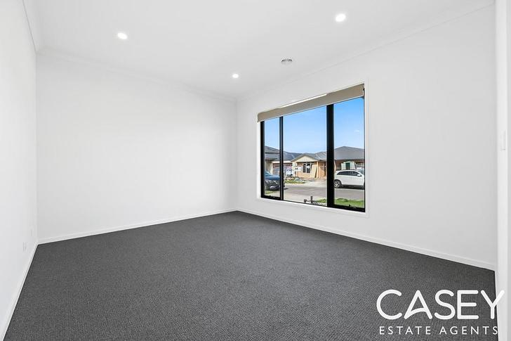 16 Sutil Drive, Clyde North 3978, VIC House Photo