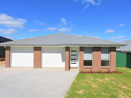 20 Wallace Way, Kelso 2795, NSW Duplex_semi Photo