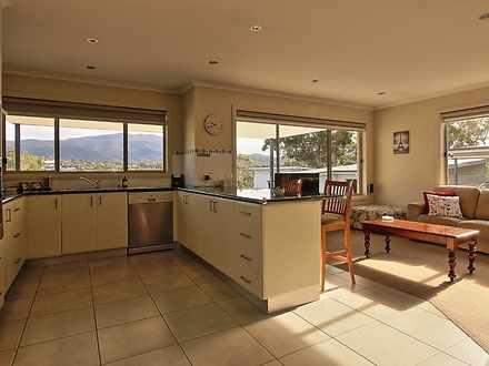 Kingston 7050, TAS Villa Photo
