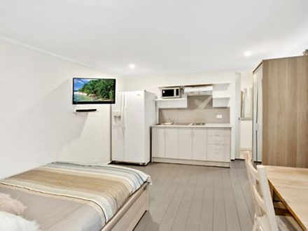 1/102 Barrenjoey Road, Mona Vale 2103, NSW Studio Photo