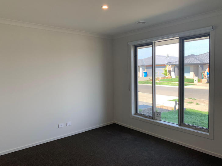 26 Athletic Circuit, Clyde 3978, VIC House Photo