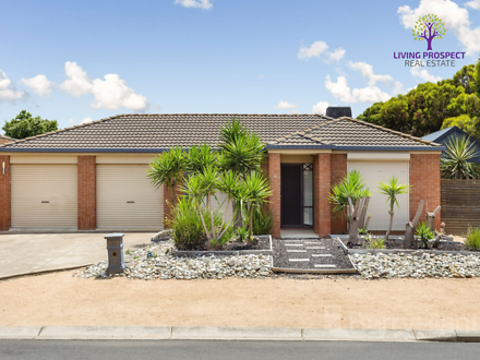 8 Kenross Close, Point Cook 3030, VIC House Photo