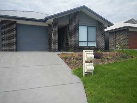 55A Sandridge Street, Thornton 2322, NSW Duplex_semi Photo