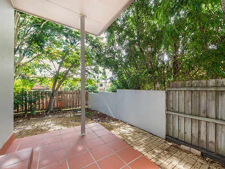 1/120 Pohlman Street, Southport 4215, QLD Townhouse Photo