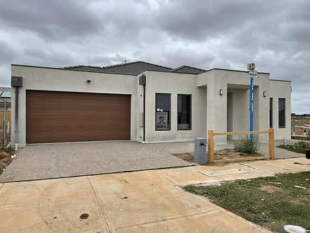 2 Clover Drive, Rockbank 3335, VIC House Photo