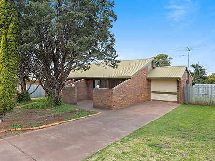 12 Broadfoot Street, Kearneys Spring 4350, QLD House Photo