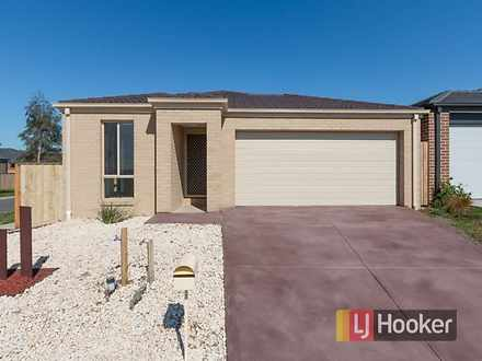 12 Loddon Place, Clyde North 3978, VIC House Photo