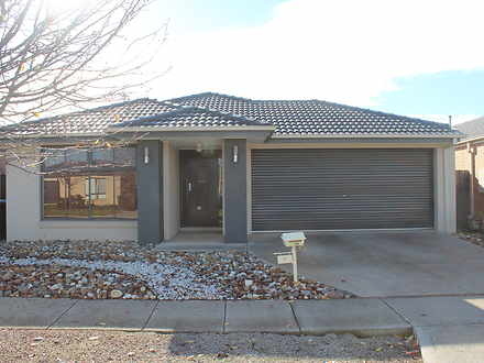9 Gunyong Crescent, Manor Lakes 3024, VIC House Photo