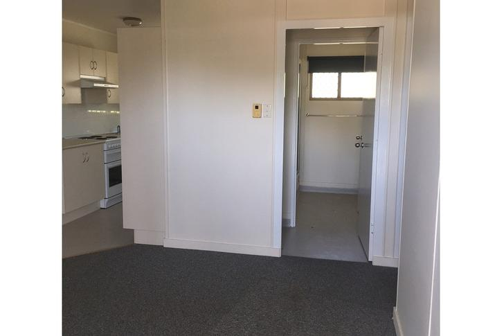 10B Diamond Avenue, Emerald 4720, QLD Unit Photo