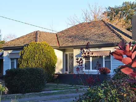 32 Hunter Street, Mansfield 3722, VIC House Photo