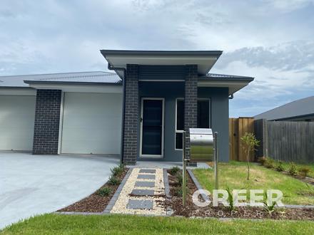 2/3 Yallimbah Avenue, Tanilba Bay 2319, NSW Duplex_semi Photo