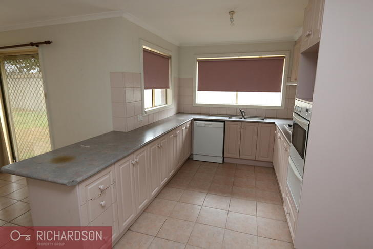 10 Nelson Way, Hoppers Crossing 3029, VIC House Photo
